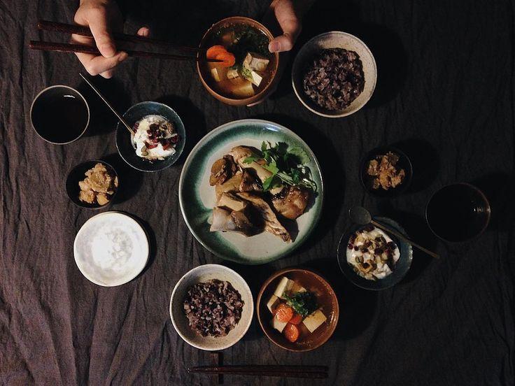 朝食渦潮ぶりのあら煮安納芋の胡桃和え焼き豆腐と人参の胡麻味噌汁主人のお気に入りのヨーグルトがあって朝か夕食後に食べていますおかずは一品減らして by saki.52
