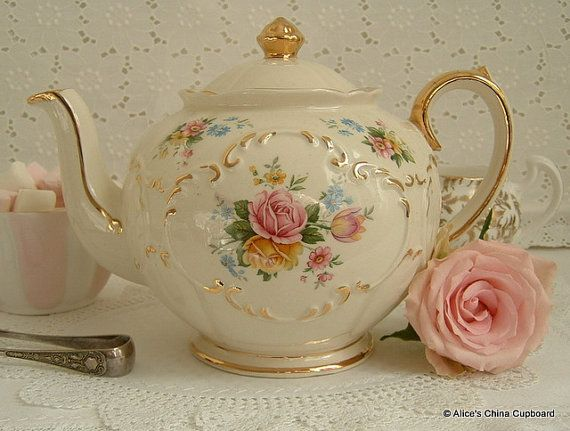 Lovely Vintage Sadler Teapot Perfect for a Tea Party and a Lovely Addition to Your China Collection