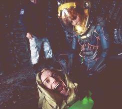 Michael Fassbender & Noomi Rapace (Prometheus Behind the Scenes) LOL