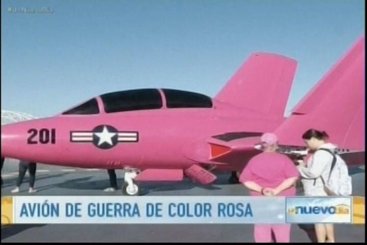 """La Fuerza Aérea de USA en Texas, se suman a una campaña muy peculiar sobre """" el cáncer de mama """""""