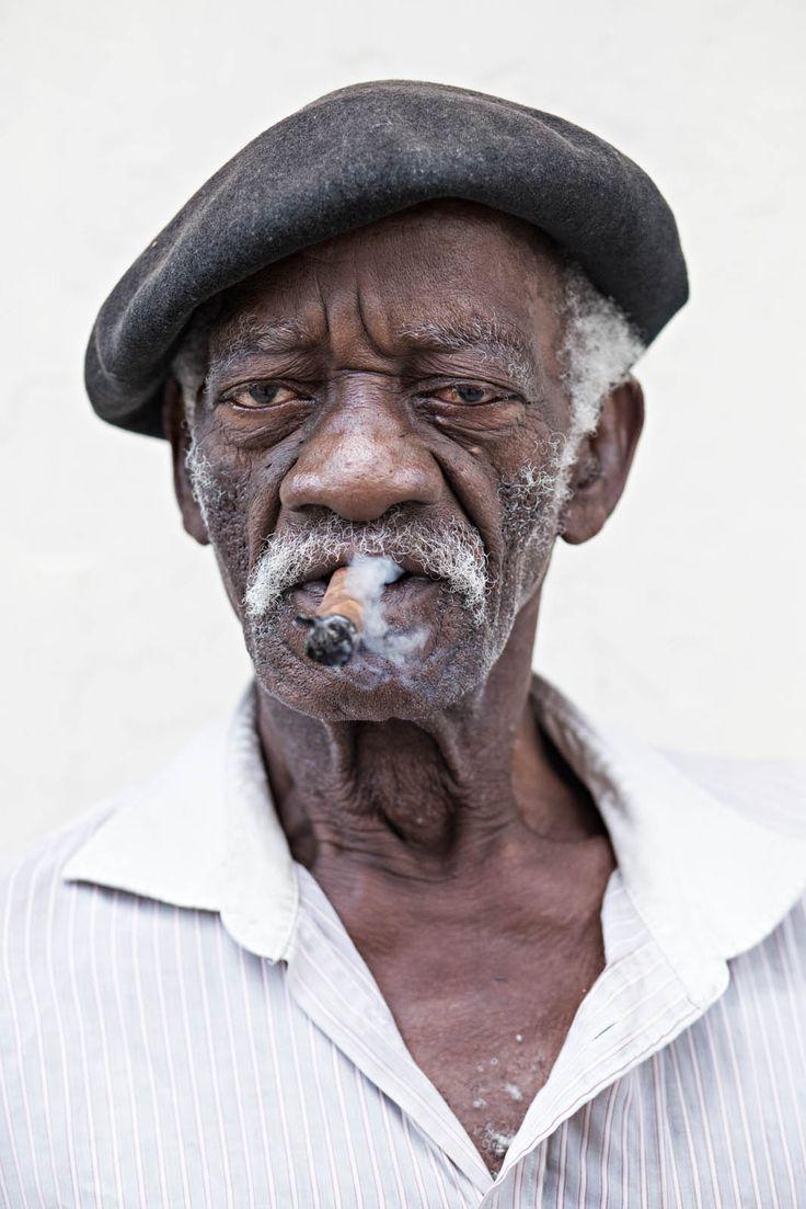 Картинки о мужчине который сам по себе самом деле
