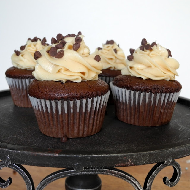Peanut Butter Filled Chocolate Cupcakes | Baking | Pinterest