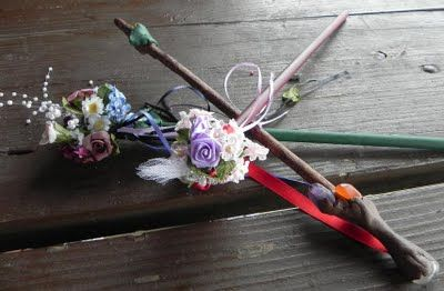 Here is a Faerie Wand craft! Go check out the blog and learn how to make one too! #etsy #pagan crafts