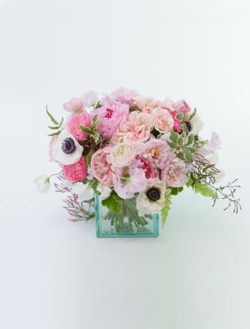 6 Spectacular Summer Flower Arrangements | Pull off the prettiest of parties with these fresh floral ideas from top experts.