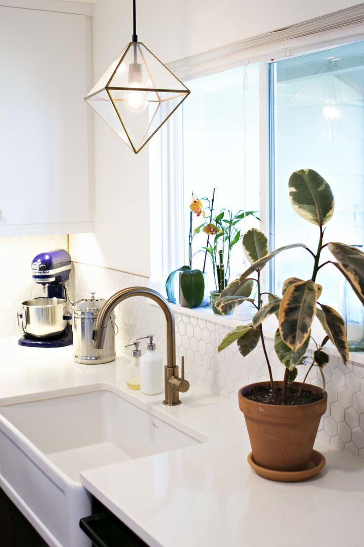 1000 ideas about over sink lighting on pinterest sinks. Black Bedroom Furniture Sets. Home Design Ideas