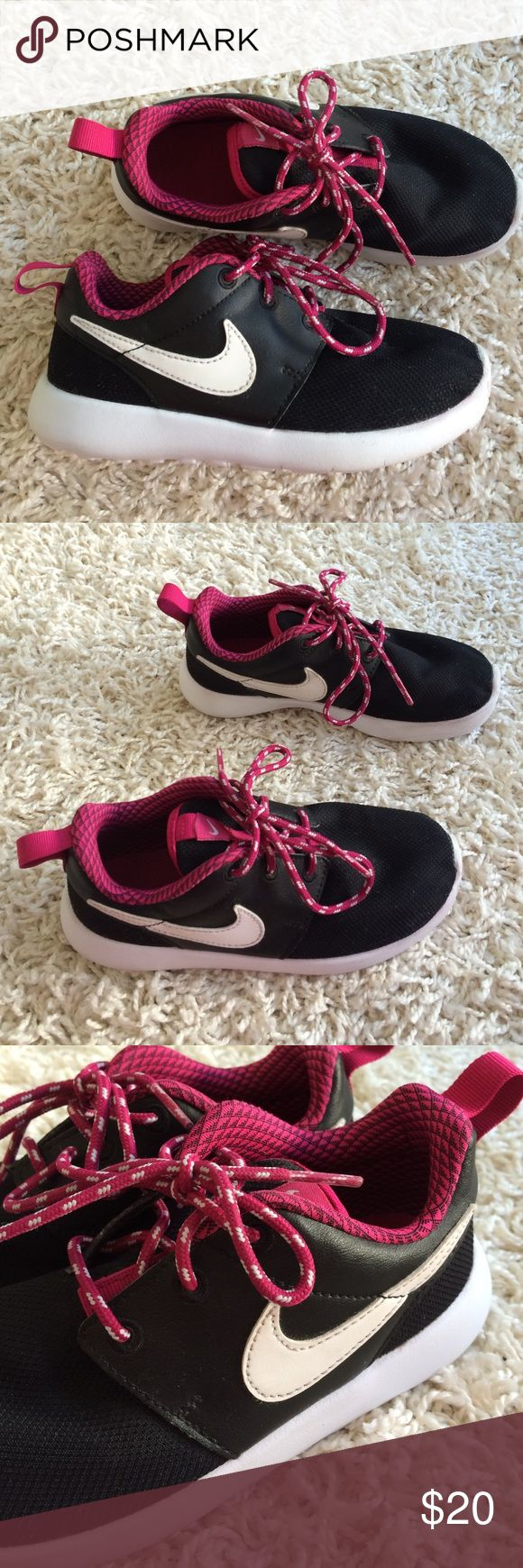 Kids (Girl's) Nike Shoe 12 Lightly used shoe size 12 Nike Shoes Sneakers