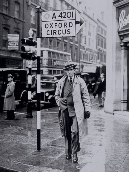 CBS wartime correspondent Edward R. Murrow, Oxford Circus, London, c 1940