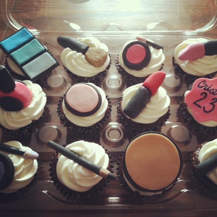 makeup inspired cupcakes