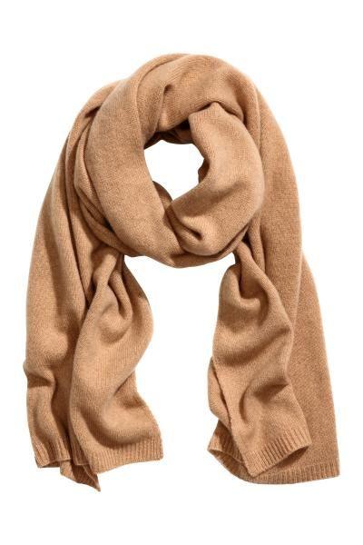 CALITATE PREMIUM. Fular tricotat din cașmir moale. Dimensiune: 60x180 cm.