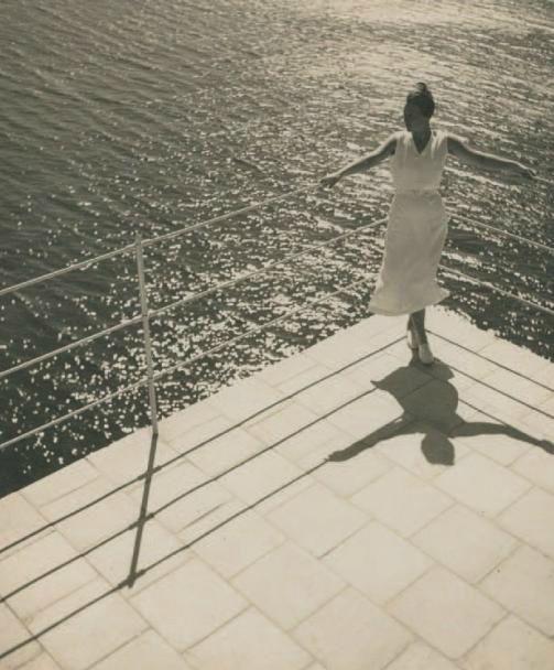 Photo by Jean Moral (1906-1999), 1933, Juliette sur la terrasse, villa de Reynaldo Luza, Formentor, Majorque, Baléares.