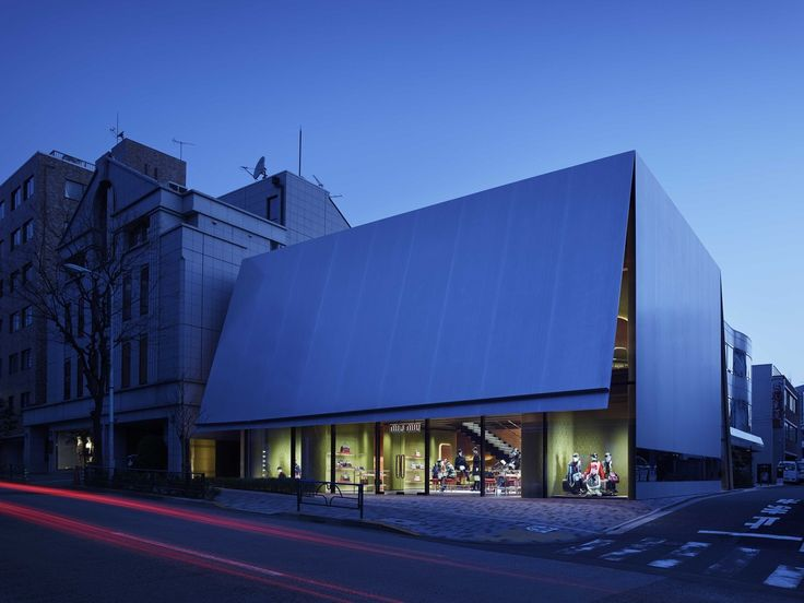 Winners of the 2016 Building of the Year Awards,Winner in the Commercial Architecture Category. Miu Miu Aoyama Store / Herzog & de Meuron. Image © Nacasa & Partners