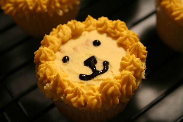 Lion cupcake close-up by lemonydoodles, via Flickr