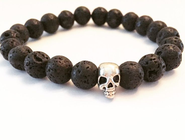 Armband Skull via mBracedesigns. Click on the image to see more!