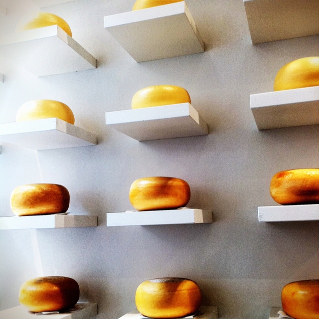 Gouda presentation in Amsterdam. Seen in a cheese specialist shop.