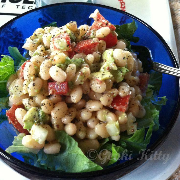 Avocado & White Bean Salad with Vinaigrette Recipe