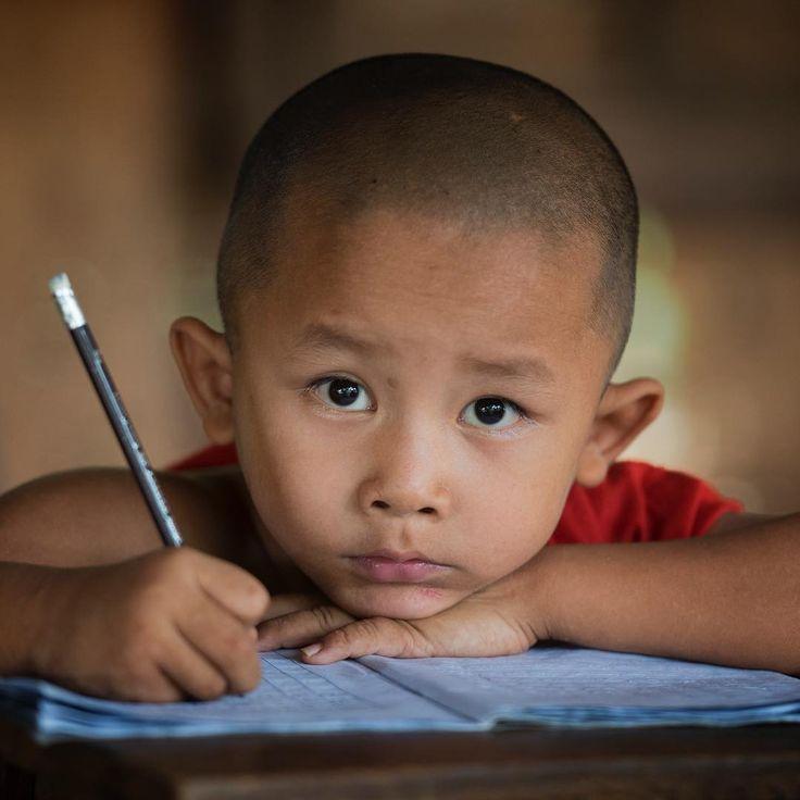 "1,607 Me gusta, 28 comentarios - Steve Wallace (@wallace_steve) en Instagram: ""Novice Monk, Bagan, Myanmar. #buddist #monk #myanmar #nikonnofilter #bbc_travel #bagan #stevewallace"""