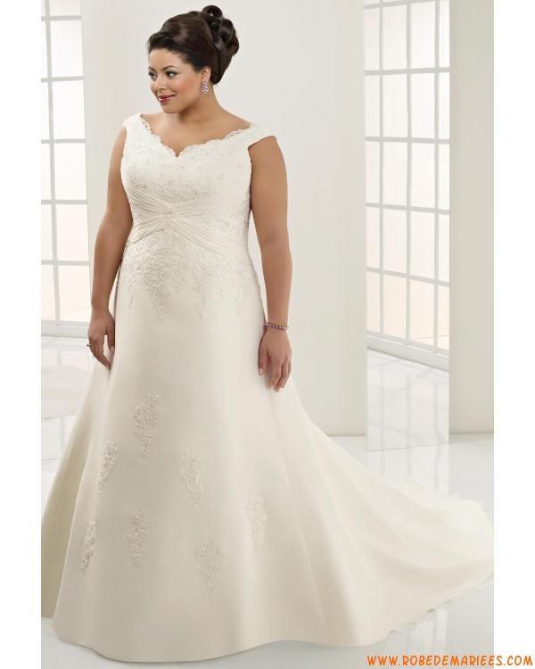 Robe de mariée grande taille col V appliqué