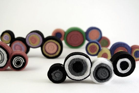 Black & white circles felt brooch-Felt brooch-Felt pin-Brooch pin-Abstract jewelry-Mother and daughter  ► BEFORE PURCHASING PLEASE READ THE SHOP