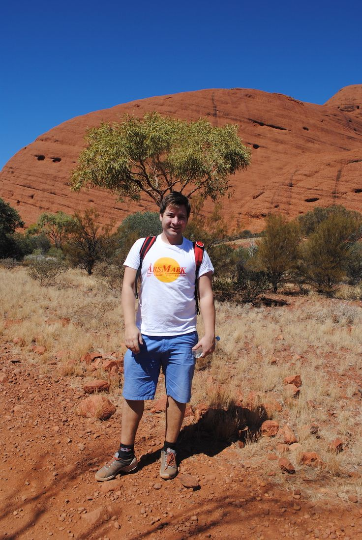 As with most people we went to Uluru set on seeing the big rock (Uluru) and how amazing it would be. And by all means it was really cool and beautiful and all that, up until the point we realized we had to go to Kata Tjuta as well (The Olgas). I am t