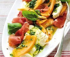Melone und Mozzarella mit Schinken Rezept  so schön simpel....