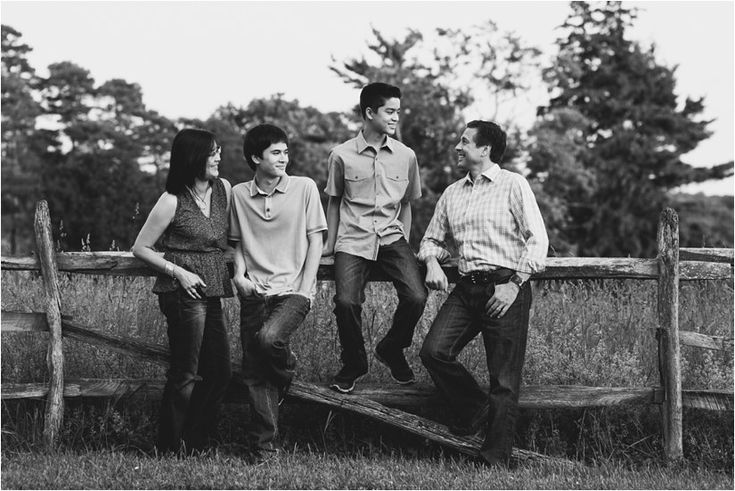 Family_Sesssion_With_OLder_Kids_Teenage_Boy_Family_session_how_to_pose_0041