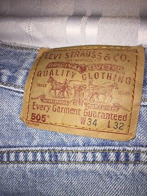 Levis 505 Jeans Reg Fit Straight Leg Size 33 X 32 Light Blue MADE IN CANADA