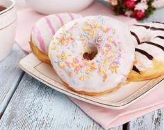 Donuts comme en Amérique cuits au four : http://www.fourchette-et-bikini.fr/recettes/recettes-minceur/donuts-comme-en-amerique-cuits-au-four.html