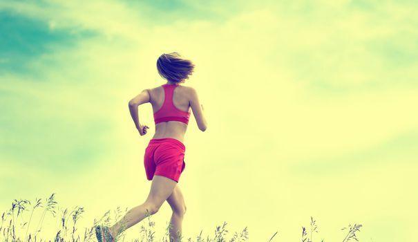 La méditation peut se pratiquer n'importe où. Dans son canapé, sous la douche... ou pendant le running. Les sportifs qui ont essayé la course en pleine conscience ne peuvent plus s'en passer.