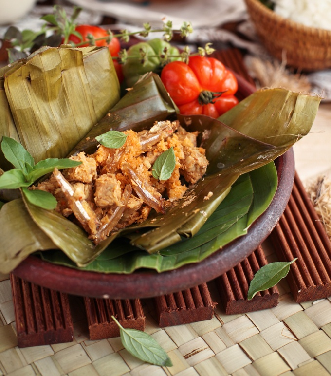 1000 images about indonesia culinary tempe tofu on pinterest javanese stir fry and spicy. Black Bedroom Furniture Sets. Home Design Ideas