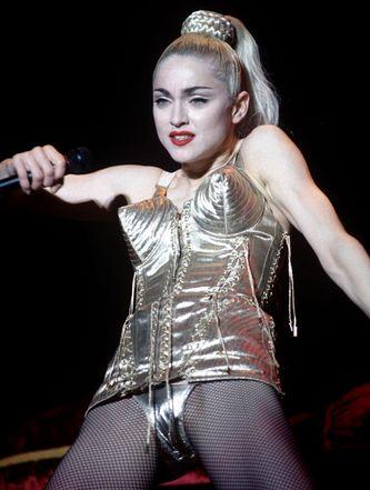 Shockeren is een van de kwaliteiten van Madonna. De puntige bH van Jean Paul Gaultier is haar personal brand geworden.