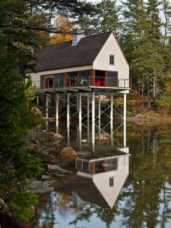 Maine summer cottage by Elliott & Elliott Architecture.
