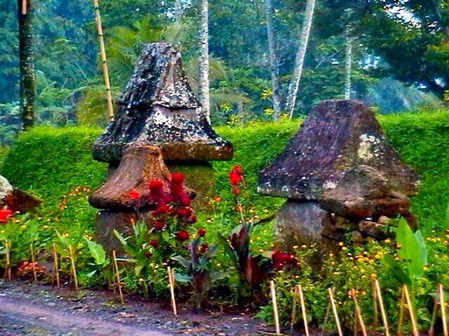 Waruga, Minahasa tribes of ancient tombs