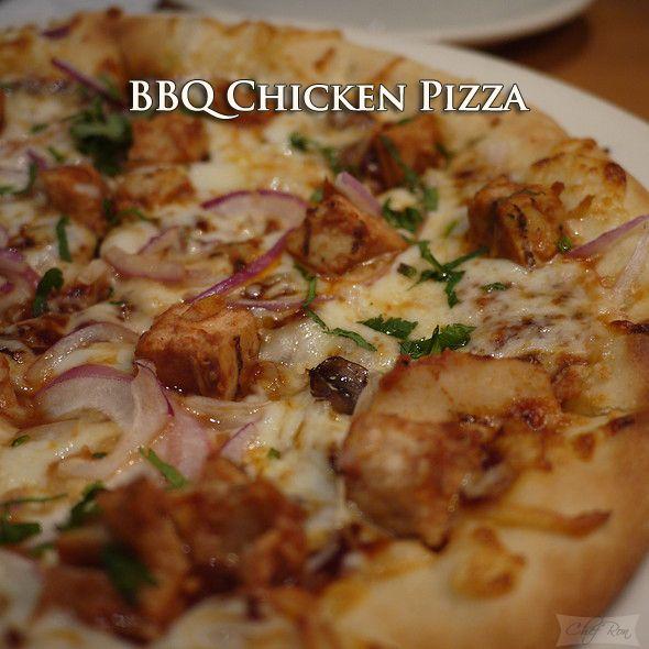 BBQ Chicken Pizza http://www.bestyummyrecipes.com/bbq-chicken-pizza/