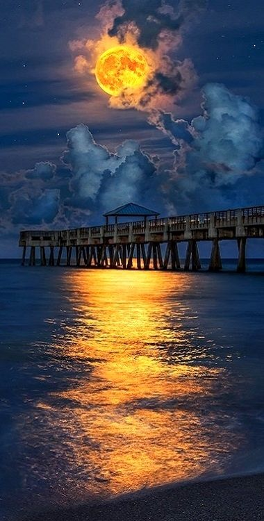 Amazing Clouds and Fiery Moon..!