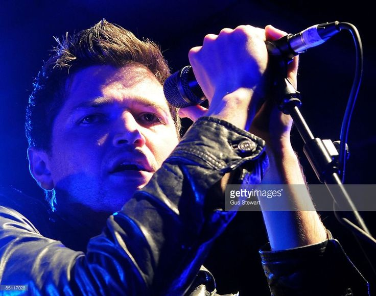 SCALA Photo of Danny O'DONOGHUE and SCRIPT, Danny O'Donoghue performing on stage