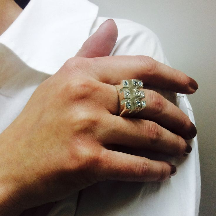The castle ring, silver-swarofski