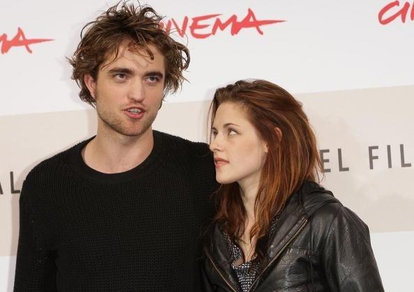 Kristen Stewart and Robert Pattinson latest news: Lovebirds flying high (photos, videos)