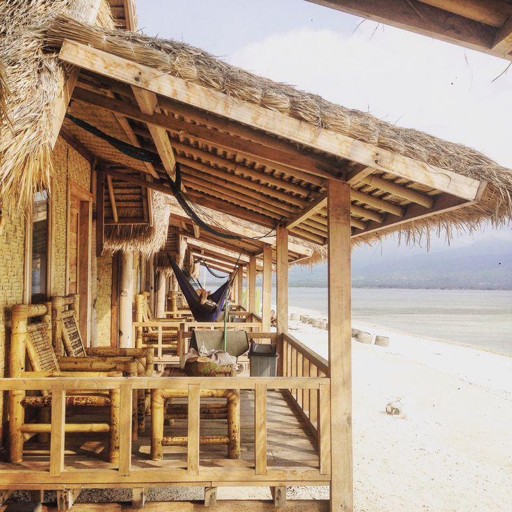 Bali Beach House: Bungalows Gili Air Bali Small House Beach Front Local