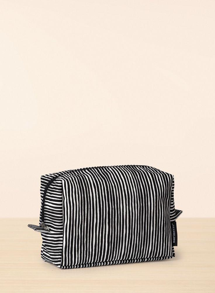 Varvunraita/Verso cosmetic bag - white, black - Cosmetic bags - Bags - Marimekko.com