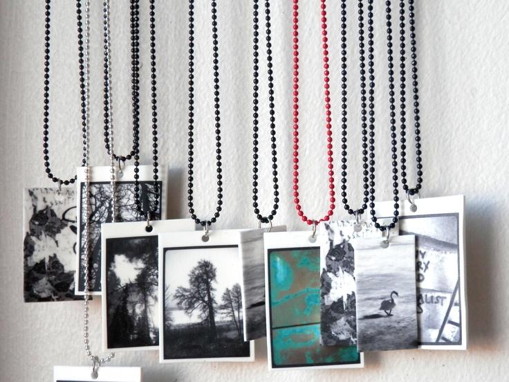 Black and White -necklaces. Visit:  www.retroke.blogspot.com www.taitomaa.fi/shop/retroke
