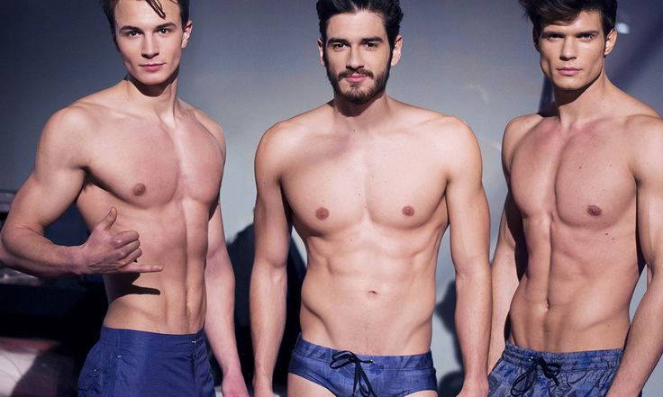 Costumi uomo estate 2016: i modelli piu belli! - http://www.beautydea.it/costumi-uomo-2016/ - Moda mare uomo estate 2016: ecco tutti i costumi maschili più trendy per l'estate 2016! Scopriamo le novità di tutti i brand in fatto di costumi da bagno uomo!