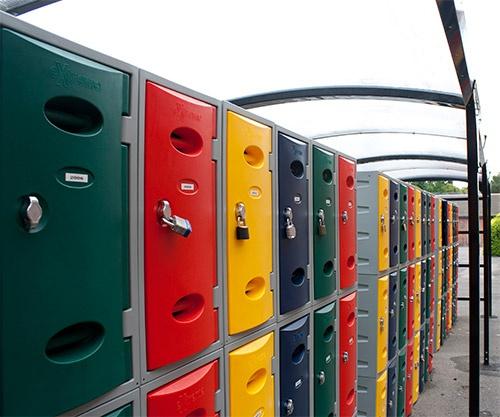 Taquillas plásticas condiciones extremas  http://www.esmelux.com/taquillas-pl%C3%A1sticas-varias-puertas-por-columna