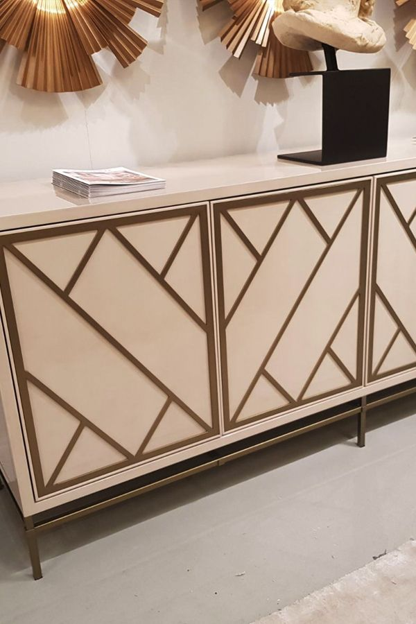 Console Table with gold- Ventura Interior Design Trend forecast 2018
