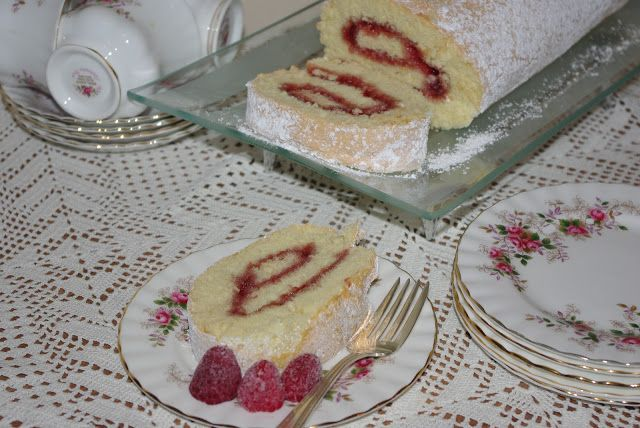 White Cake Jelly Roll Recipe: 17 Best Images About Cake Rolls On Pinterest