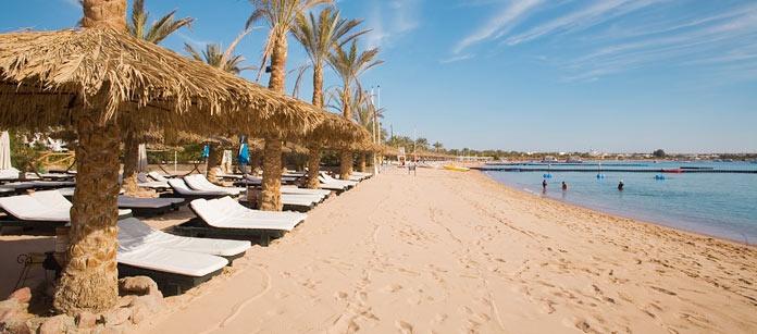 Sharm el Sheikh ligger alldeles intill Röda havet med sitt kristallklara vatten och rika undervattensliv.