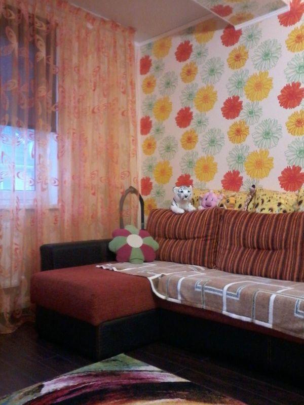 Cданные дома / 2-комн., Краснодар, Есенина, 2 575 000 http://krasnodar-invest.ru/vtorichka/2-komn/realty245779.html  2 комнатная квартира с качественным ремонтом, новой мебелью, полностью укомплектована техникой. Кирпичный дом, все коммуникации центральные, придомовая территория благоустроена. Во дворе детская игровая площадка. Рядом находится большое количество магазинов различной специализации. Дом расположен равноудалено от Российской и Московской, то есть выход к общественному транспорту…