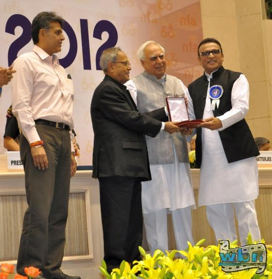 I Minister Manish Tiwari, President Pranab Mukherjee, Kapil Sibal and Annu Kapoor: Actor Annu Kapoor collected his National Award on 3rd May in New Delhi. The prestigious 60th National Awards were handed out by President Pranab Mukherjee: http://www.washingtonbanglaradio.com/content/54723113-annu-kapoor-receives-national-award-president-pranab-mukherjee-india