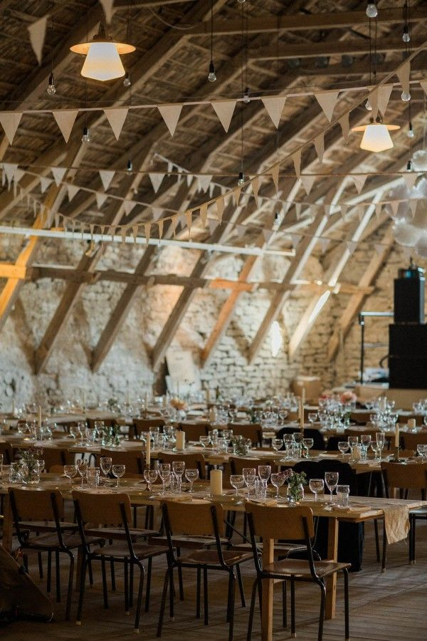 Barn reception with bunting  | Image by Loke Roos