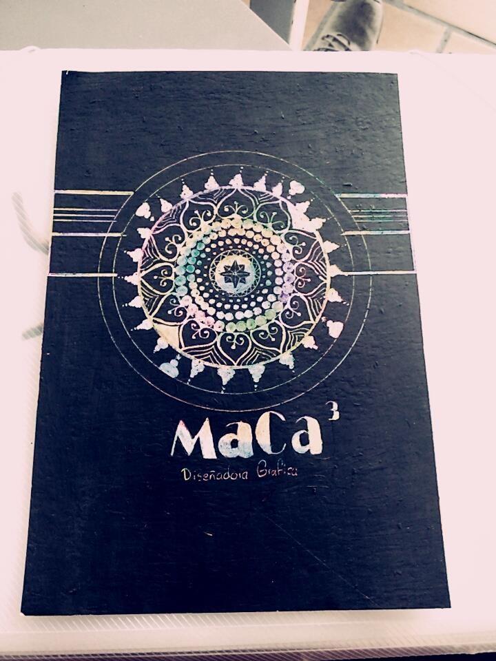 Diseño hecho y marca por Maira Camila Castellanos, estudiante de la Uniminuto, comunicadora gráfica expresa de modo artístico y cultural cada uno de sus diseños.