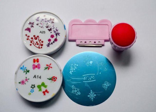 Nail art stamping plates